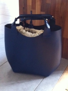 Zara bucket bag in blue
